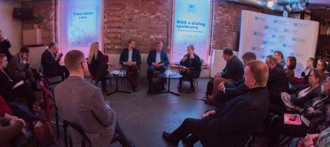 """Relacja z debaty """"NGO a dialog społeczny – projektowanie przyszłości"""""""